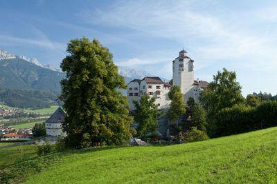 Castle wedding venue in Tyrol for elopements in Austria