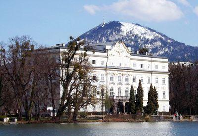 Luxurious lakeside villa for a destination wedding in Austria