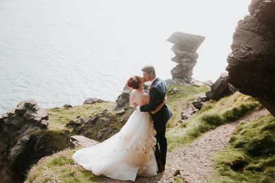 Dreamy Irish elopement on the Cliffs of Moher